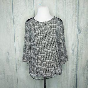 Olive & Oak Black and White Printed Blouse Small